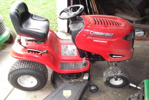 Troy Bilt S Bronco Lawn Tractor 42 Quot For Sale In Apalachin