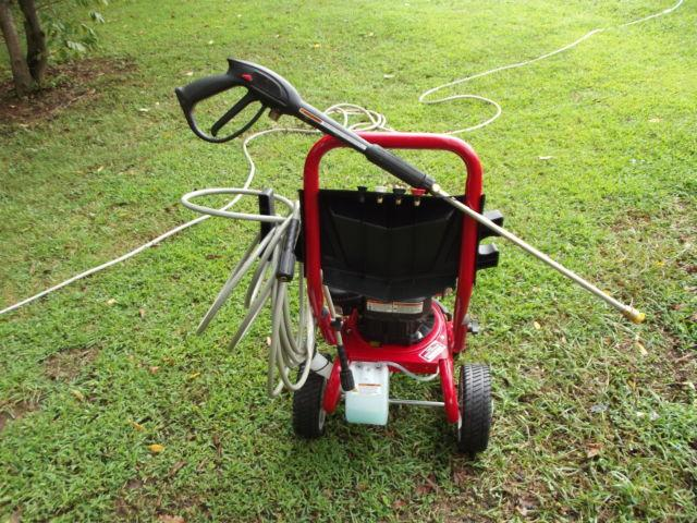 TROYBILT 2800 PSI PRESSURE WASHER