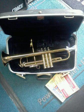 trumpet vintage for sale in philadelphia pennsylvania classified. Black Bedroom Furniture Sets. Home Design Ideas