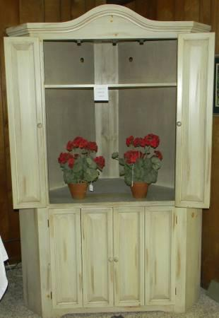 Superieur TV Corner Armoire/ Solid Wood   $350