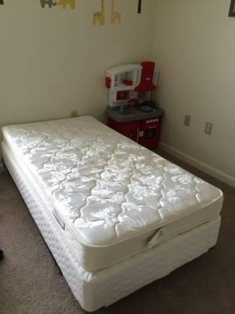 Twin mattress with box spring and memory foam mattress