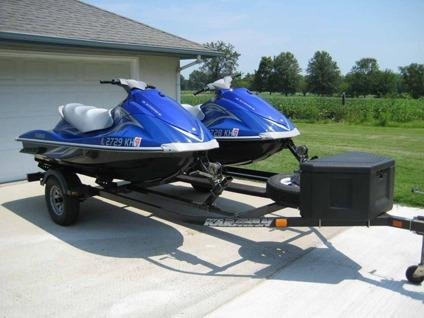 Two 2007 yamaha waverunners vx deluxe jet ski wave runner for Yamaha jet ski dealer