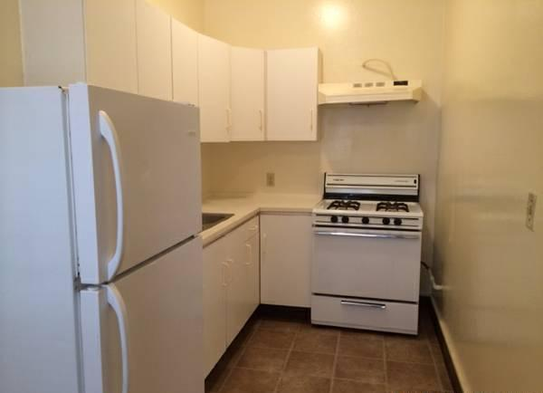 bedroom apartment in long beach asking only month for rent in long