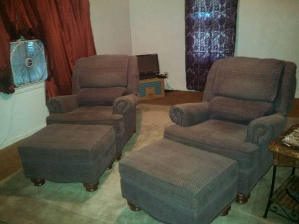 Two BRAND NEW Beautiful Recliners  Detached Ottomans - $400