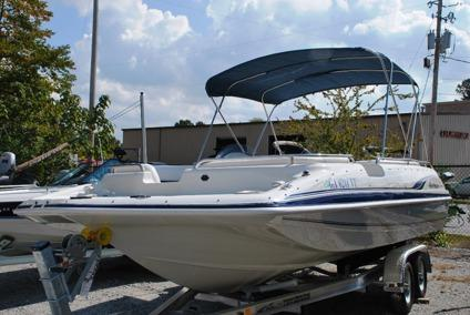 Ultra Clean 2000 Hurricane 201 Fundeck Deck Boat For Sale