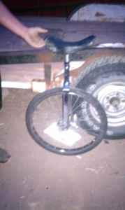 UNICYCLE (AMARILLO)