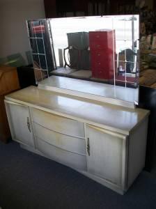 United™ Blonde Dresser With Mirror Baltimore Es
