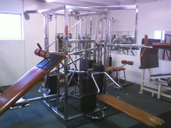 Universal 10 Station Chrome Exercise Machine For Sale In