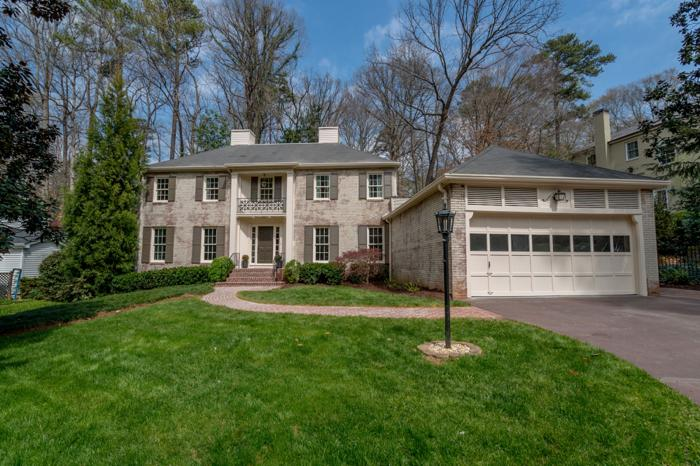 Updated Home On Quiet Cul-de-sac In Haynes Manor