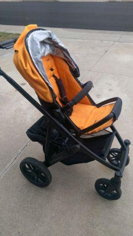 UppaBaby Vista Stroller  Bassinet - Orange - In great condition