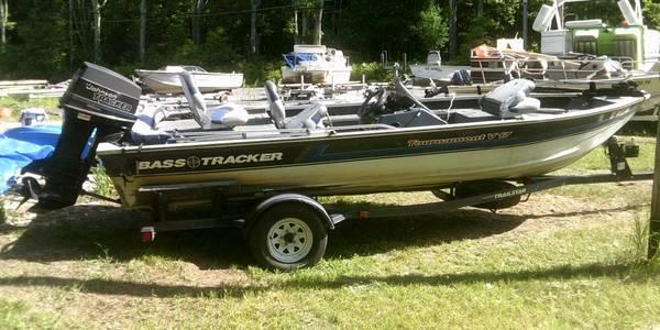 Used 1992 bass tracker tournament v 17 w 60 hp johnson for Tracker outboard motor parts