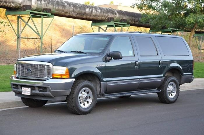 Used 2001 Ford Excursion 4WD XLT RIVERBANK, CA 95367
