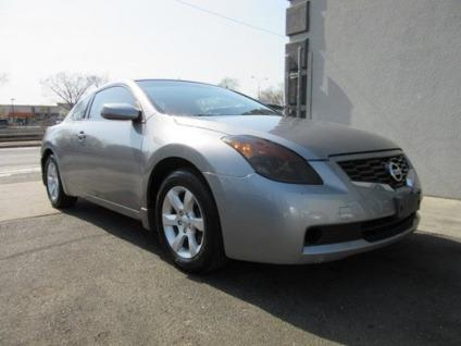 used 2009 nissan altima 2 5 s coupe for sale in portland oregon classified. Black Bedroom Furniture Sets. Home Design Ideas