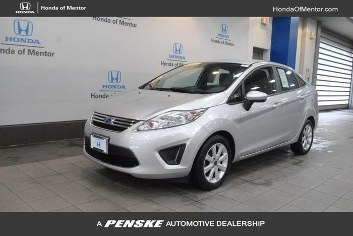 Used 2011 Ford Fiesta SE Sedan Mentor, OH 44060