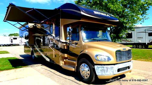 Used 2013 jayco seneca 37fs bunkhouse class c freightliner for Used class c motor home