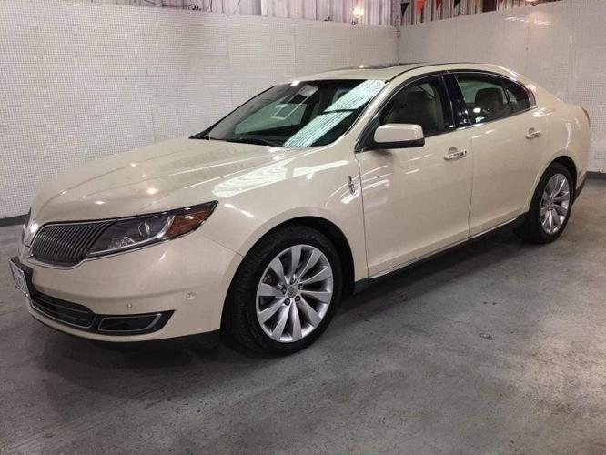 Used 2014 Lincoln MKS AWD Oroville, CA 95965
