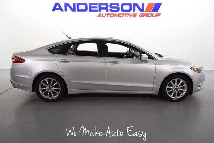 Used 2017 Ford Fusion SE Rockford, IL 61107