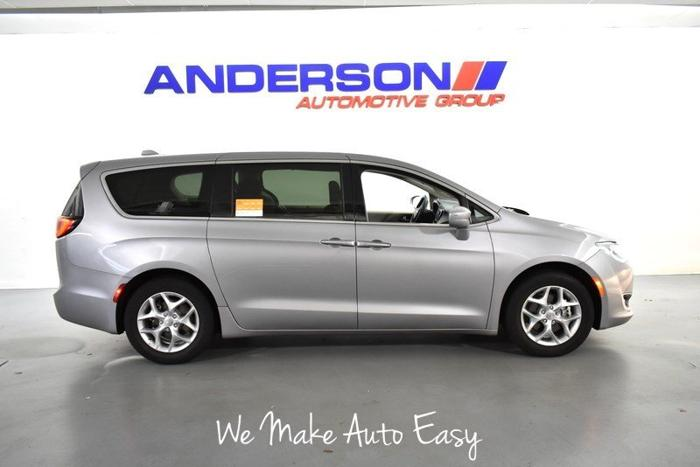 Used 2018 Chrysler Pacifica Touring Plus Rockford, IL