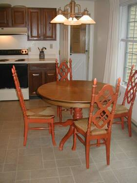 used dining kitchen table with 4 chairs for sale in laconia new hampshire classified. Black Bedroom Furniture Sets. Home Design Ideas