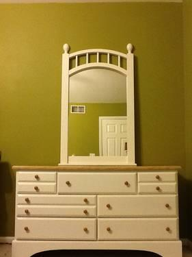 Used Dresser And Mirror For Sale For Sale In Lake