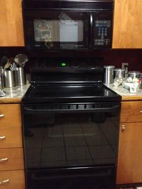 Used Hotpoint Electric Range Over Range Microwave