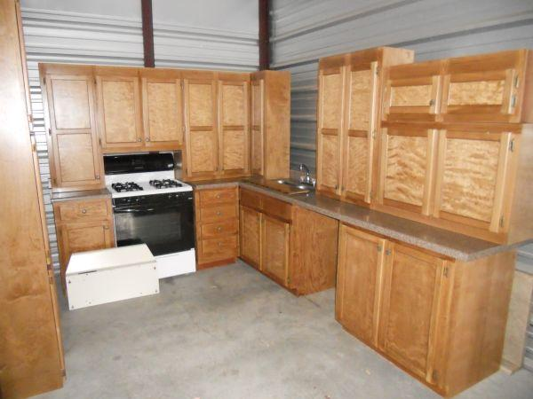 Used kitchen cabinets best deals around cumming for Rona kitchen cabinets reviews