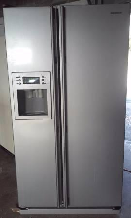 Used Nice Samsung Side by Side Refrigerator For Sale