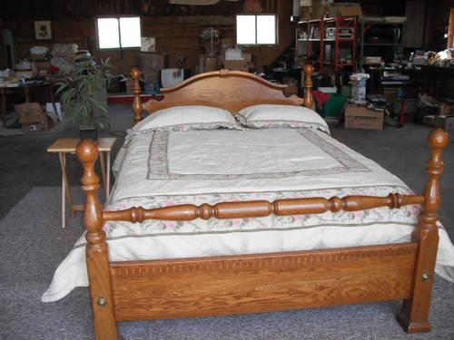 Used Oak Four Poster Cannoball Queen Bed or Full Size bed