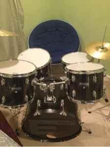 Used pearl drum set - $120 (Middletown )