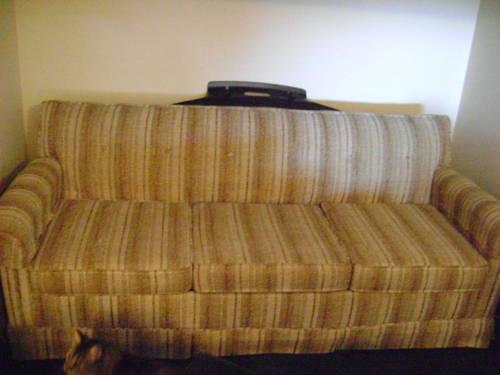 Used Sterns Foster Queen Size Sleeper Sofa