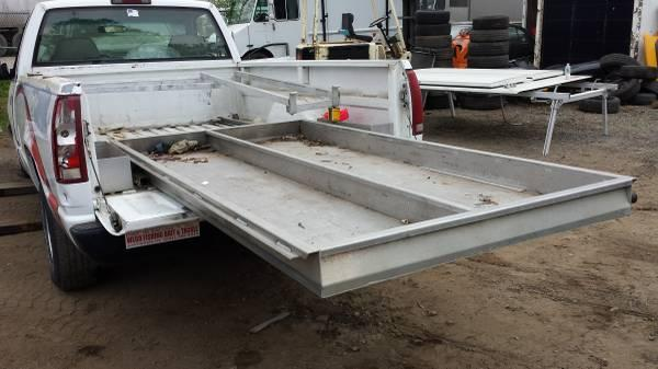 Utility truck bed cover aluminum 8 bed with slide out and ladder rack - $950