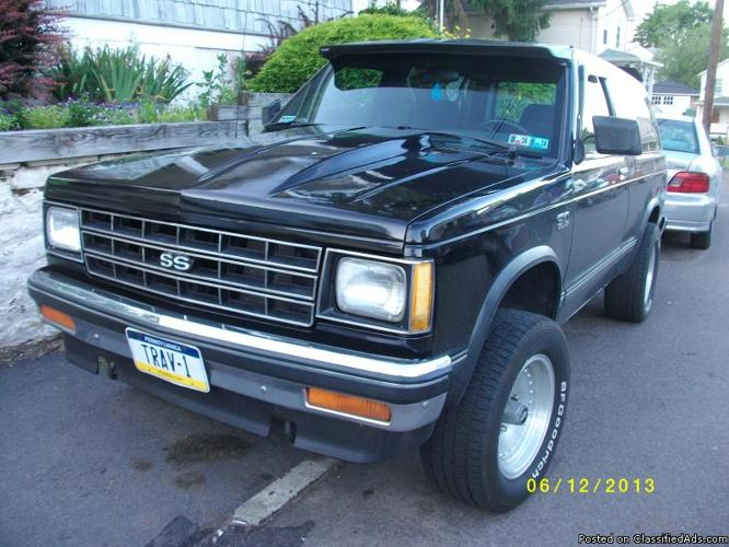 v8 s10 blazer (REDUCED PRICE)3500