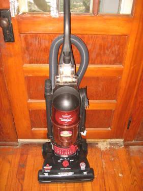 Vacuum Bissell Powerforce Turbo Bagless Black Red
