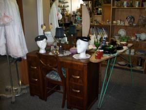 Vanity W Round Mirror Selah For Sale In Yakima