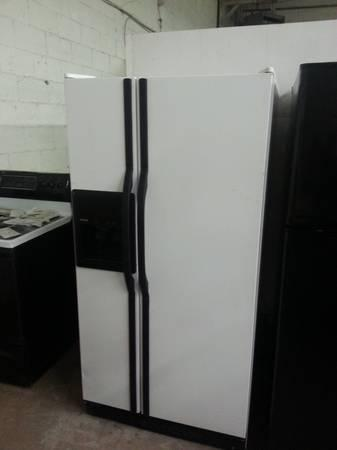 Very Clean Black And White Kenmore Side By Side