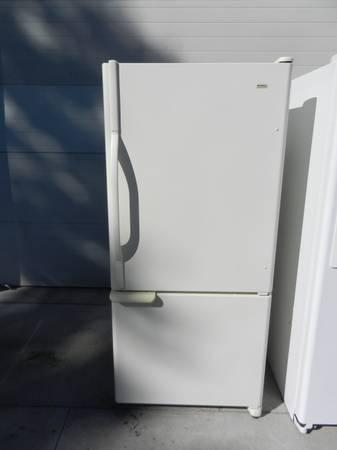 VERY NICE AND CLEAN BISQUE BOTTOM FREEZER REFRIGERATOR - $300