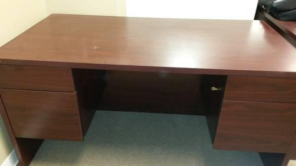 Very Nice Wooden Office Desks For Sale In Jonesboro