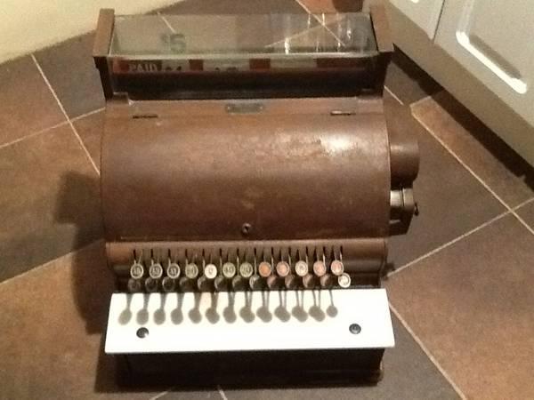 Very old cash register