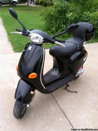 vespa scooter 50cc et2 black reduced price for sale in baldwin arkansas classified. Black Bedroom Furniture Sets. Home Design Ideas