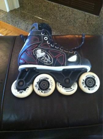 Vform roller hockeyderby skates size 3.5 to 4 mens offset wheels - $30