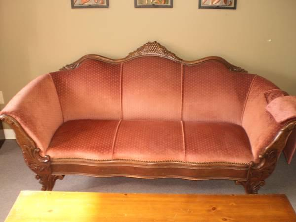 Victorian Antique Sofa For Sale In Meskegon Michigan