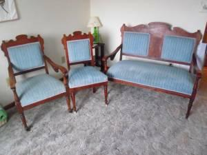 Victorian Eastlake 3 Piece Parlor Set Walnut Settee And 2