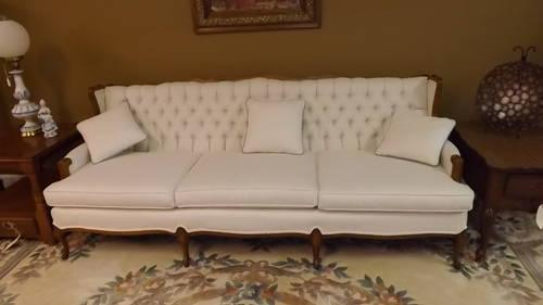 Victorian Sofa Like New Condition Upholstery New Gorgeous Must See For Sale In Greensboro North