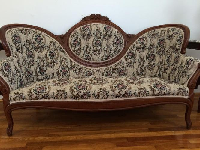 Victorian sofa with two matching chairs for sale in - Victorian living room set for sale ...