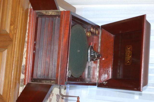 Victrola wind up record player. Plus records.