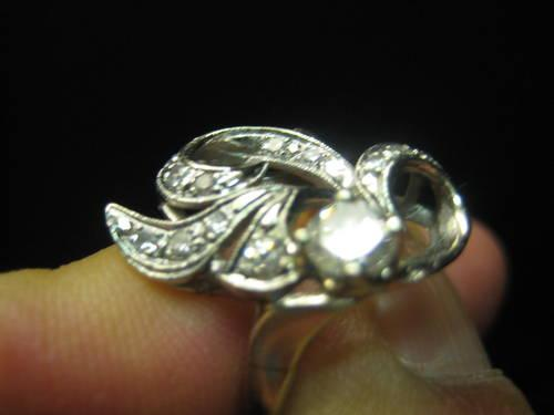 VINTAGE 14 K GOLD WOMENS DIAMOND RING AWESOME MUST SEE