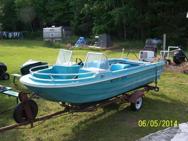 Vintage 15 footseastar boat trailer 55hp chrysler for Outboard motors for sale in wisconsin