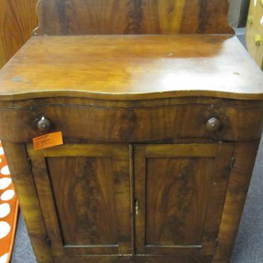 Vintage 1850s Small Chest For Sale In Adelma Beach