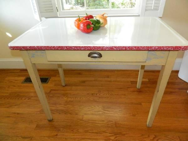 Vintage 1940 s enamel top kitchen farm table for sale in cleveland
