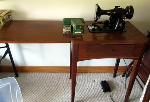Vintage 1954 Singer Electric Sewing Machine 99k With